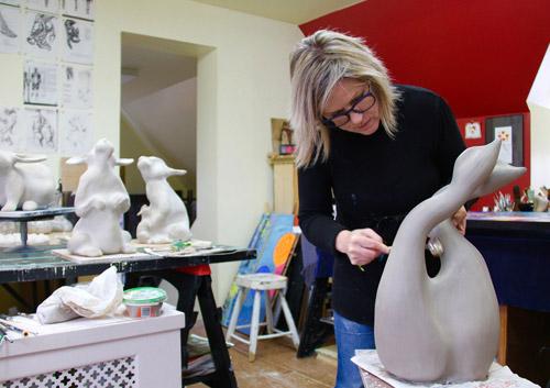 Événement Les vitrines s'animent à la galerie d'Art l'Esprit Créatif avec le sculpteur Julie Lambert