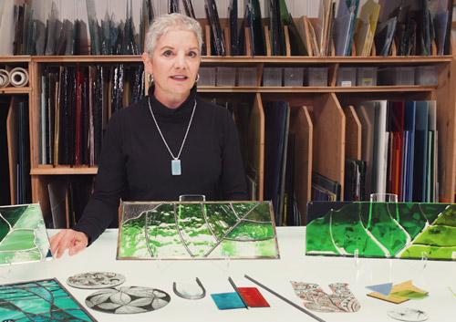 Événement Les vitrines s'animent à la galerie d'Art l'Esprit Créatif avec l'artiste verrier Sylvie Savoie